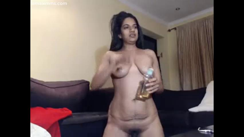 Milf masturbating oiled pussy for her webcam clients sinhala x video